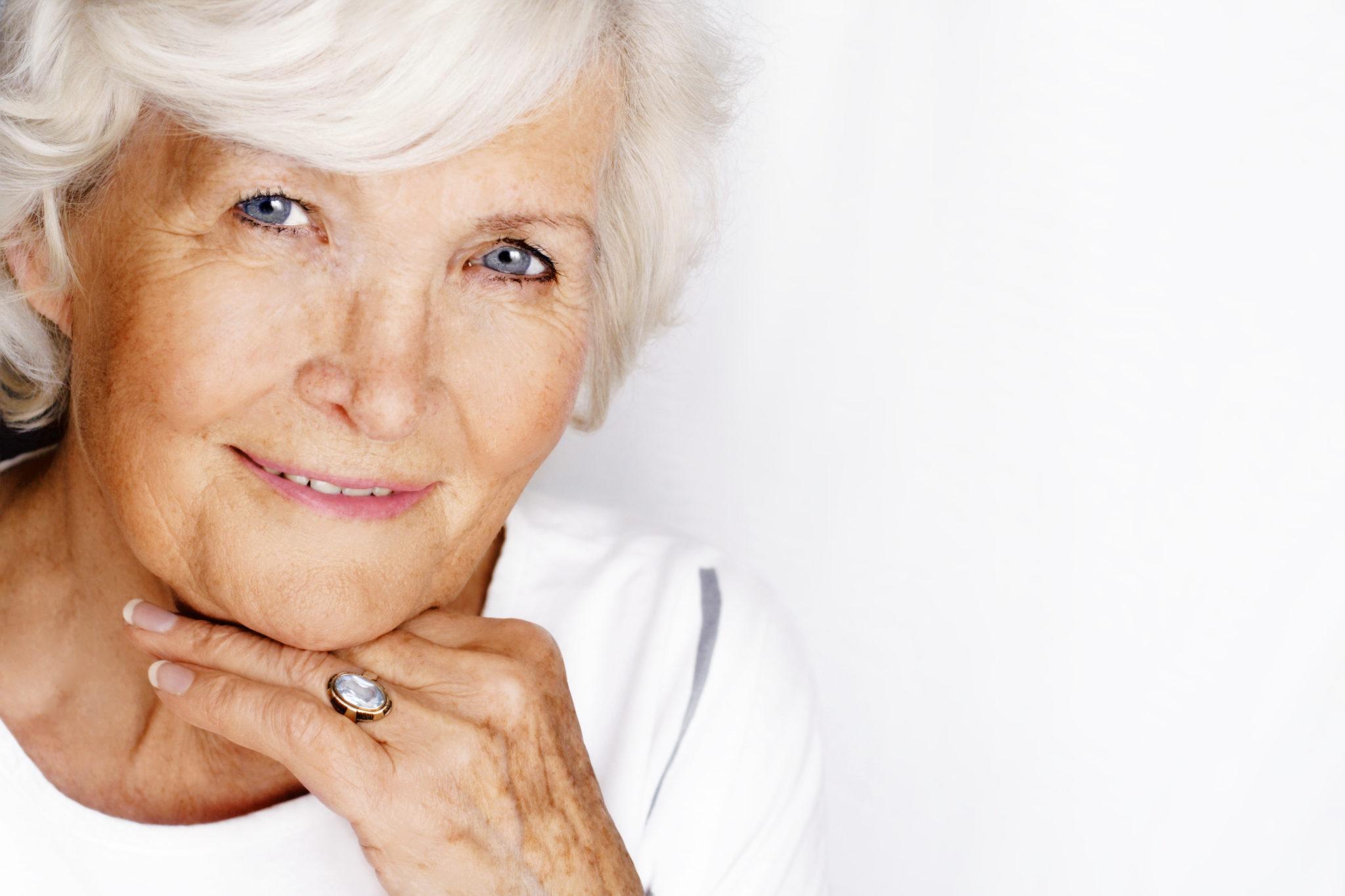 Размеры груди пожилых женщин 8 фотография